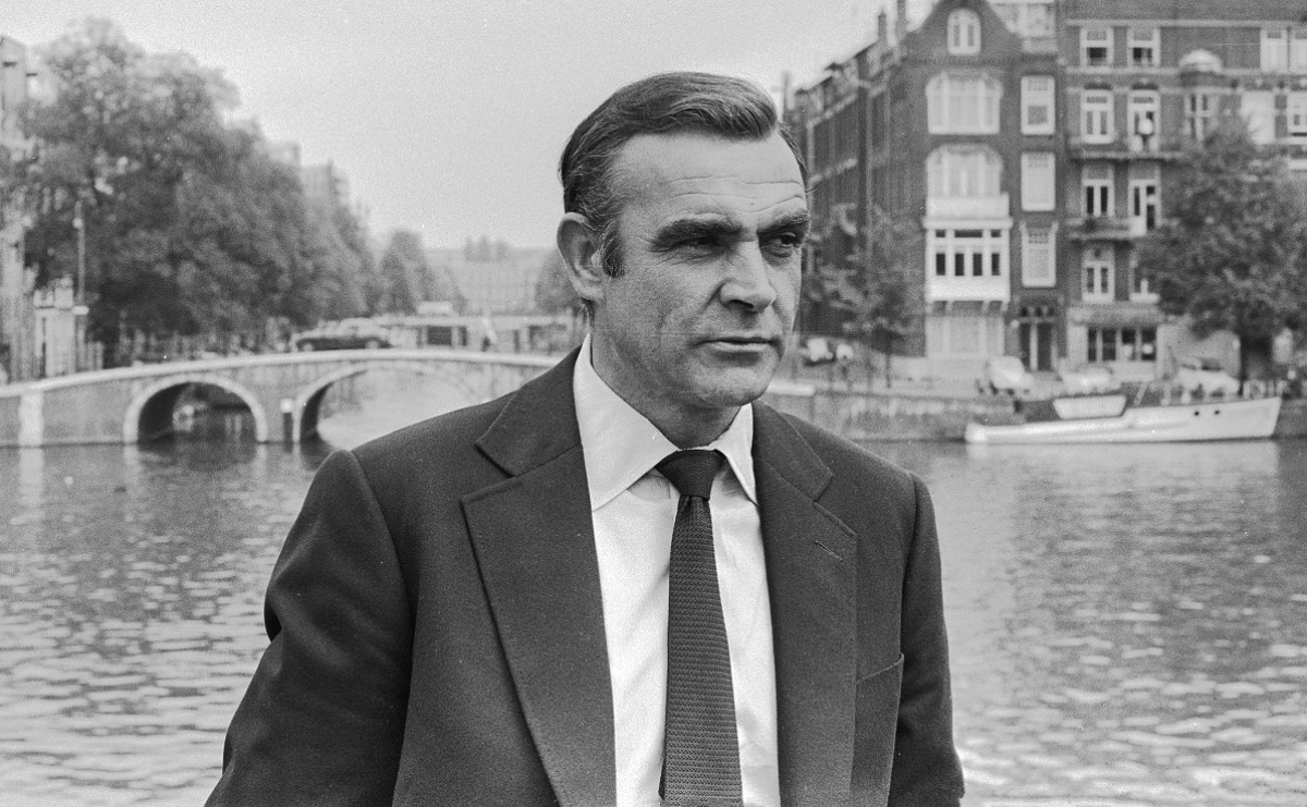 Sean Connery interpretant a James Bond