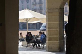 Bars i restaurants podran obrir ininterrompudament fins a les cinc de la tarda
