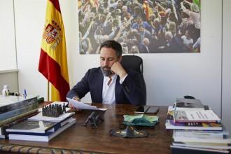 Vox marca l'agenda política amb una moció de censura fallida que incomoda Casado