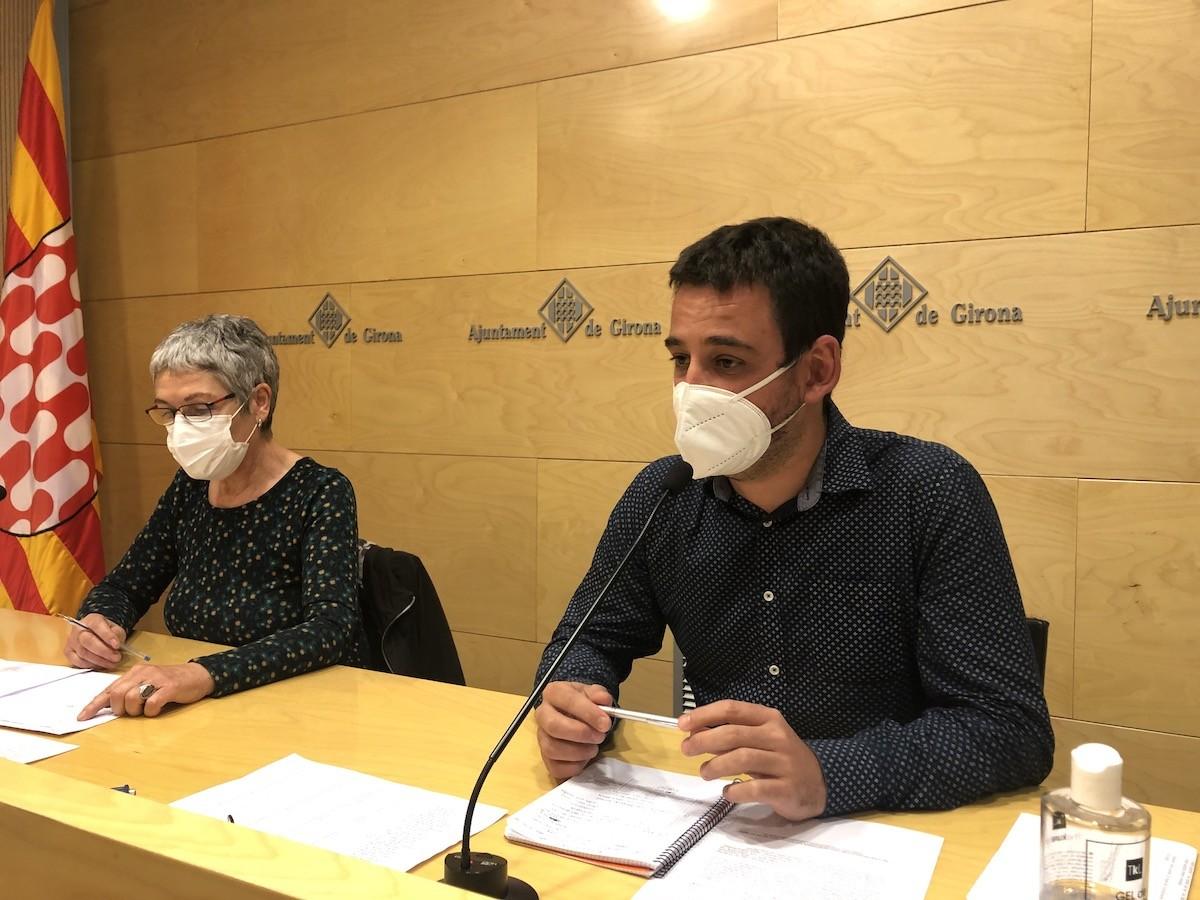 Dolors Serra i Lluc Salellas a l'Ajuntament de Girona.
