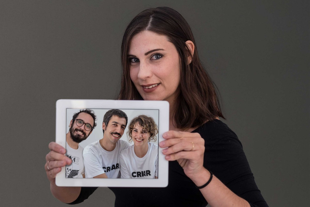 Alba Carreres i la resta de l'equip de «Criar bé»