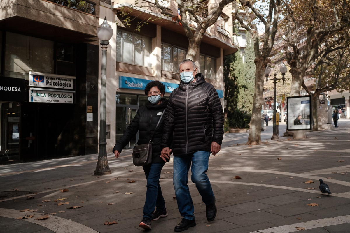Gent amb mascareta a Manresa