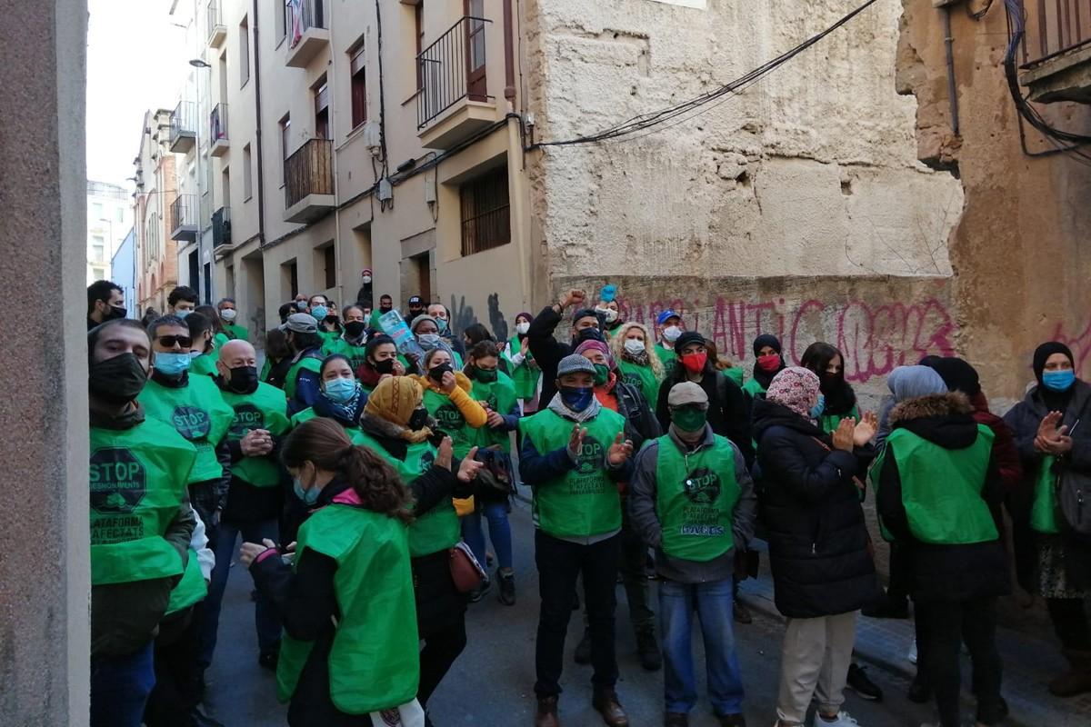 Activistes de la PAHC al carrer Pedregar