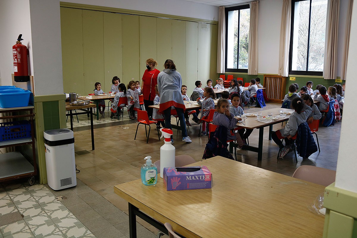 L'escola Salesians de Ripoll ha situat el purificador al menjador