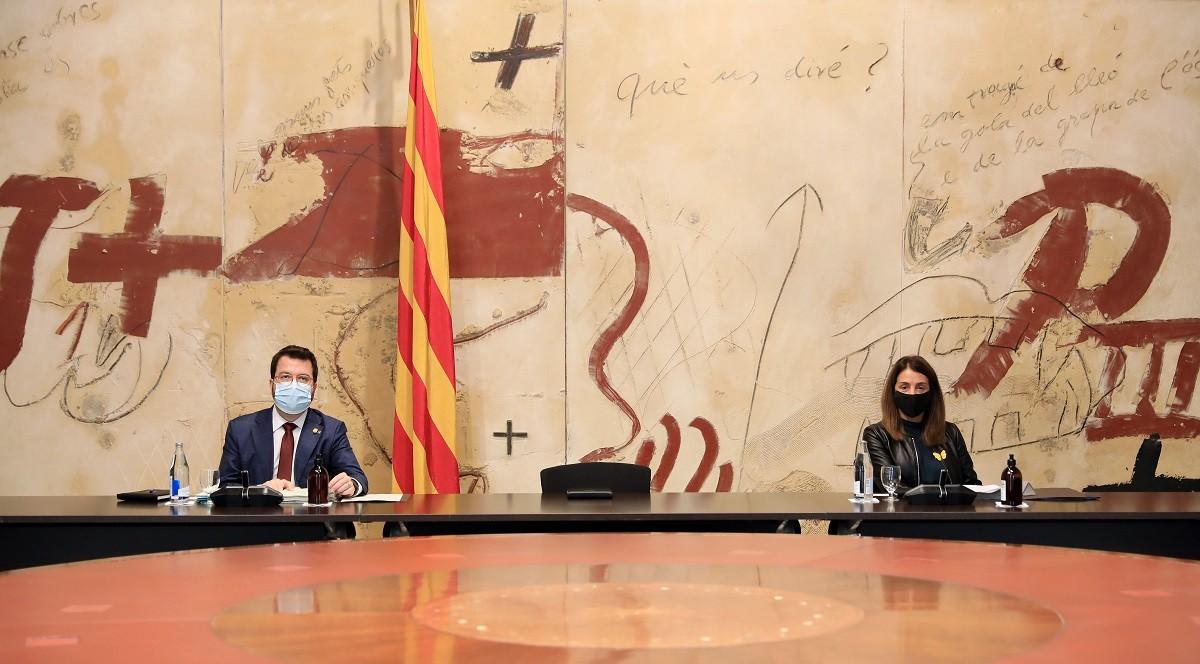 Pere Aragonès i Meritxell Budó, en la reunió del Govern de dimarts