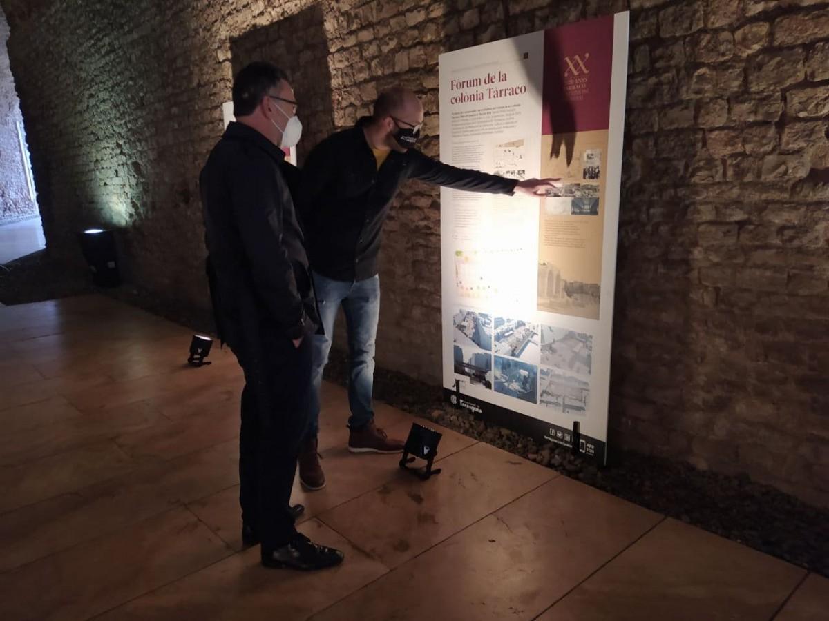 El regidor Hermán Pinedo ha presentat avui la nova exposició que es pot veure al circ romà de Tarragona.