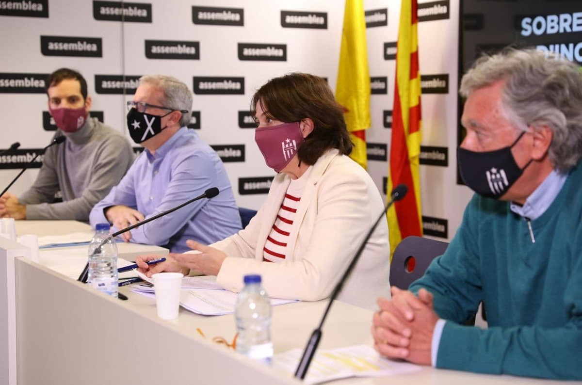Pla de la roda de premsa de l'ANC el dia 1 de desembre de 2020 amb la seva presidenta, Elisenda Paluzie, David Fernàndez, Jordi Ollé i Adrià Alsina.