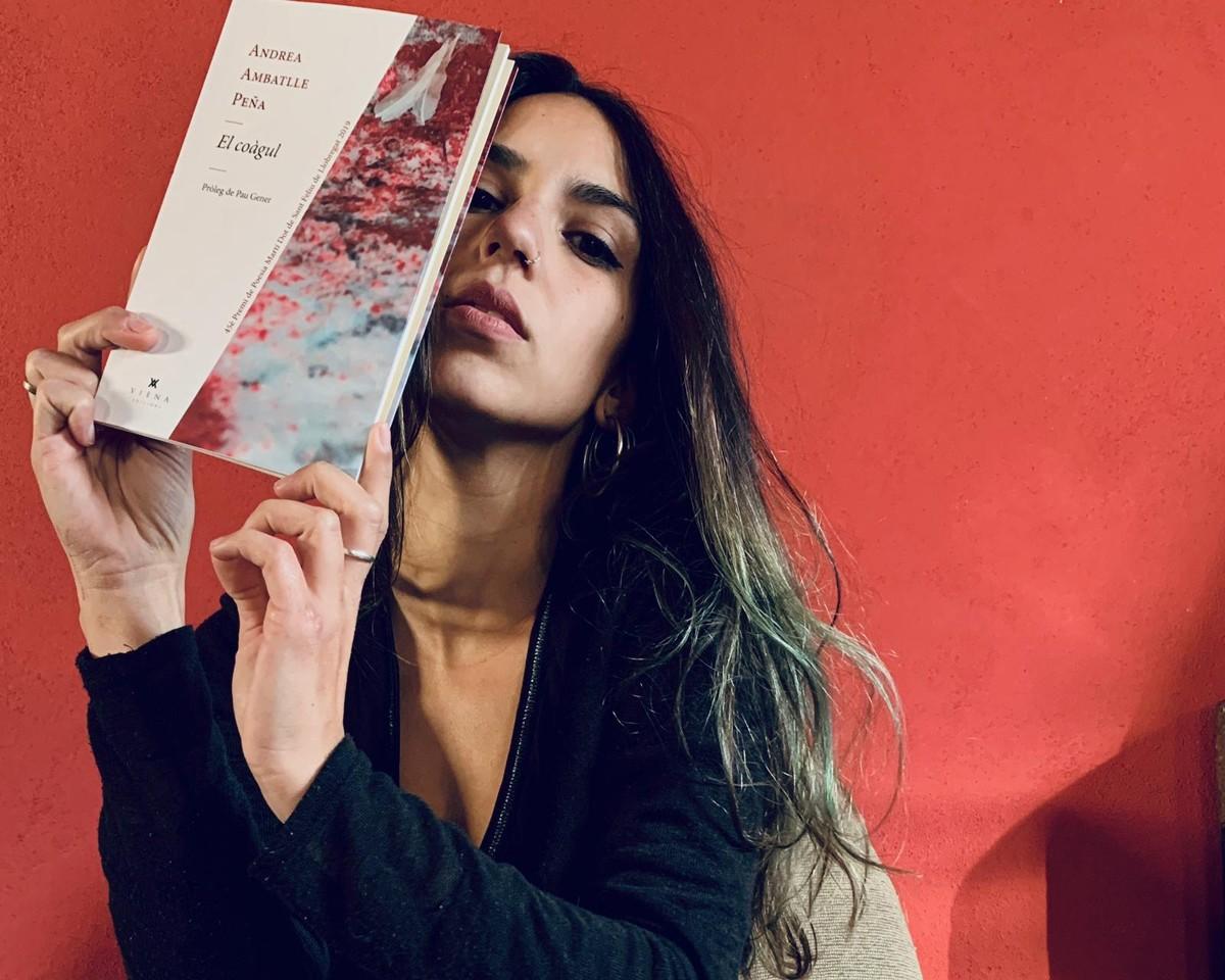 Andrea Ambatlle, autora del poemari El coàgul