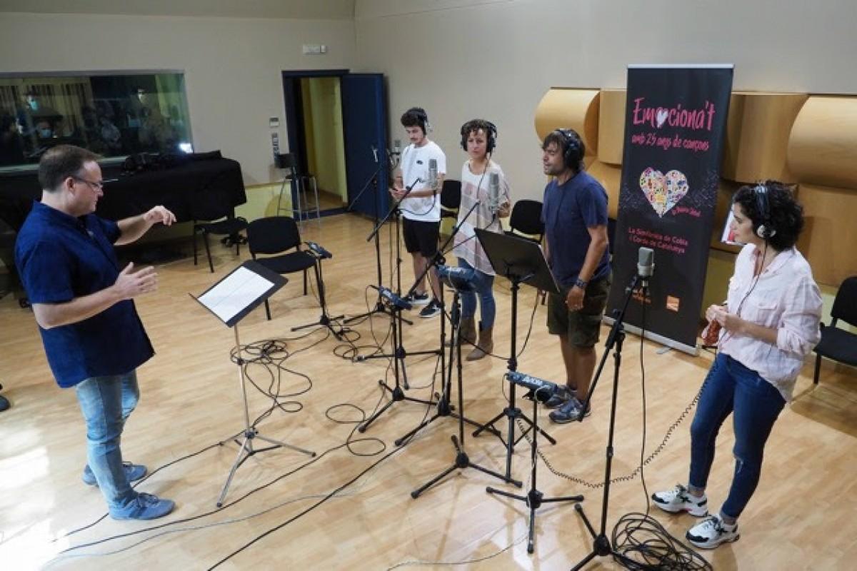 Miki Núñez, Paula Giberga, Manu Guix i Elena Gadel enregistrant 'Emociona't amb la SCCC. 25 anys de Música Global'