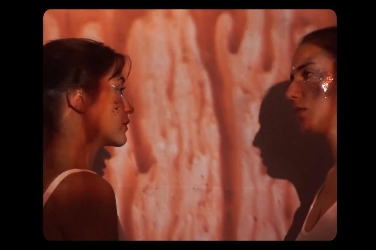 Fotograma del clip «Oütsü» de Tixis i Tarta Relena