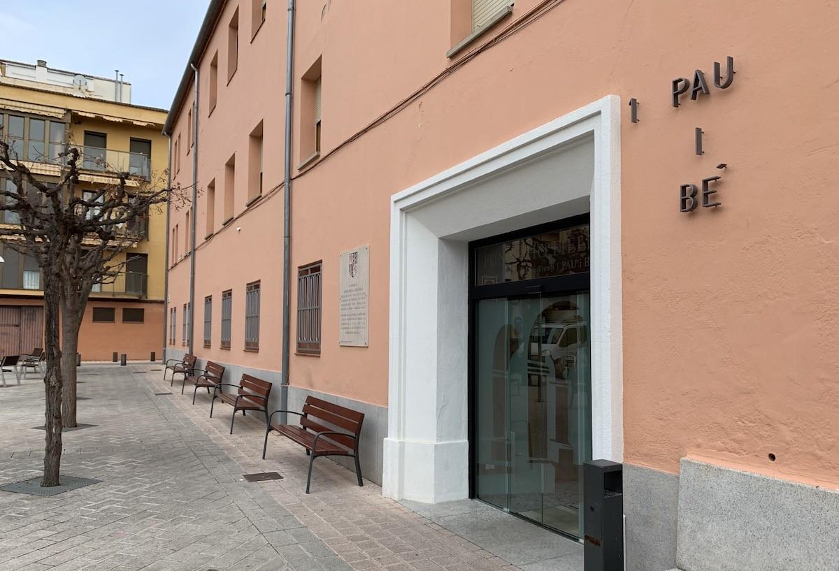 Entrada principal de la residència Fundació Fiella de Tremp