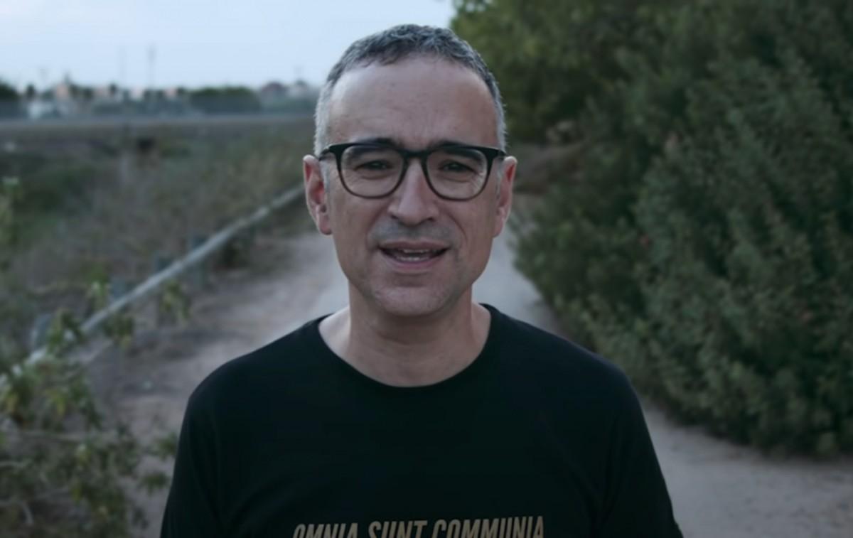 Xavi Sarrià al videoclip 'No s'apaguen les estreles'
