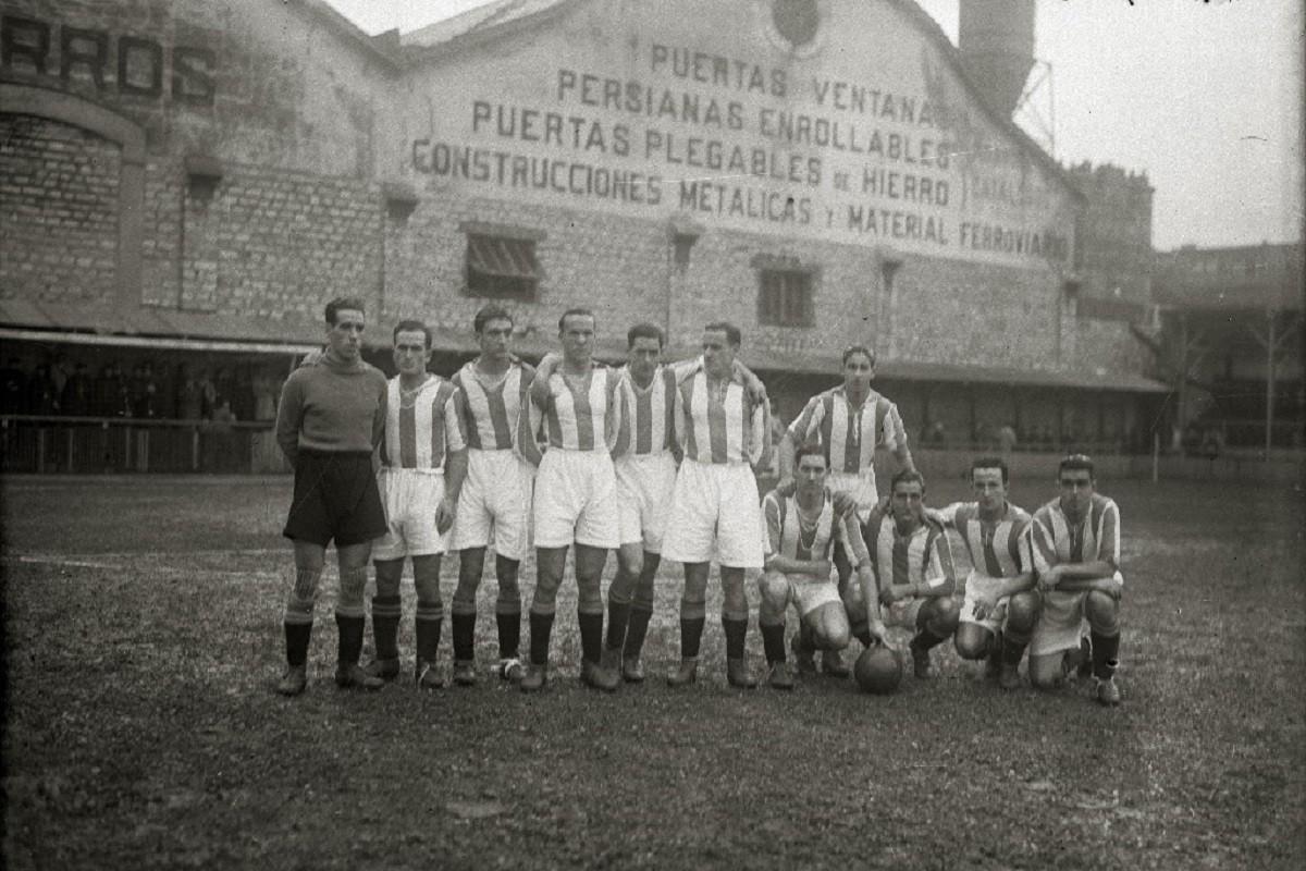 El Donostia Foot-ball Club a l'estadi donostiarra d'Atotxa en una imatge de 1932