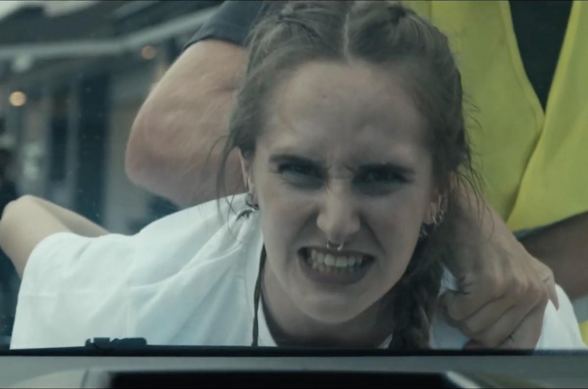La Tortuga que nunca tuve al clip «Violència legal»