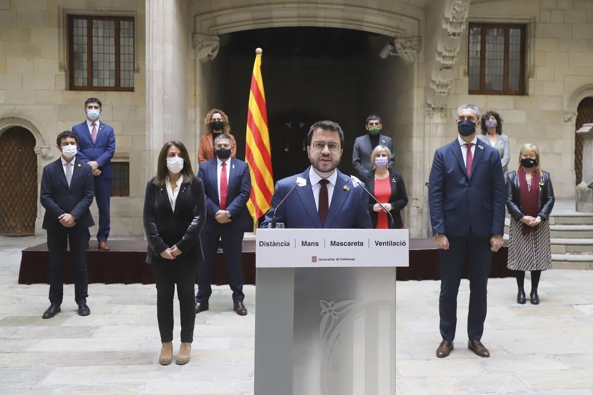El vicepresident del Govern, Pere Aragonès, amb els consellers del Govern