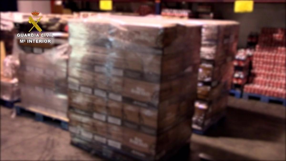 Ampolles de rom falsificades intervingudes per la Guàrdia Civil