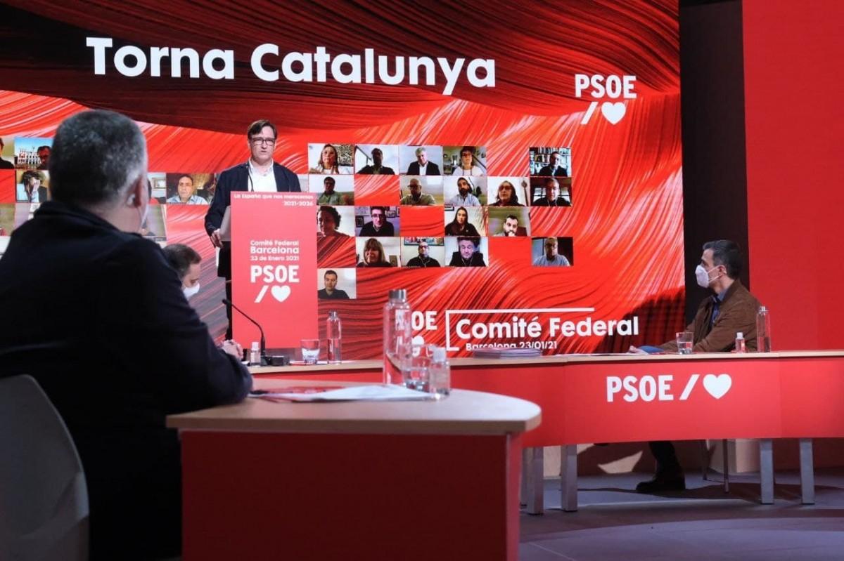 Salvador Illa i Pedro Sánchez, al comitè federal del PSOE celebrat des de Barcelona