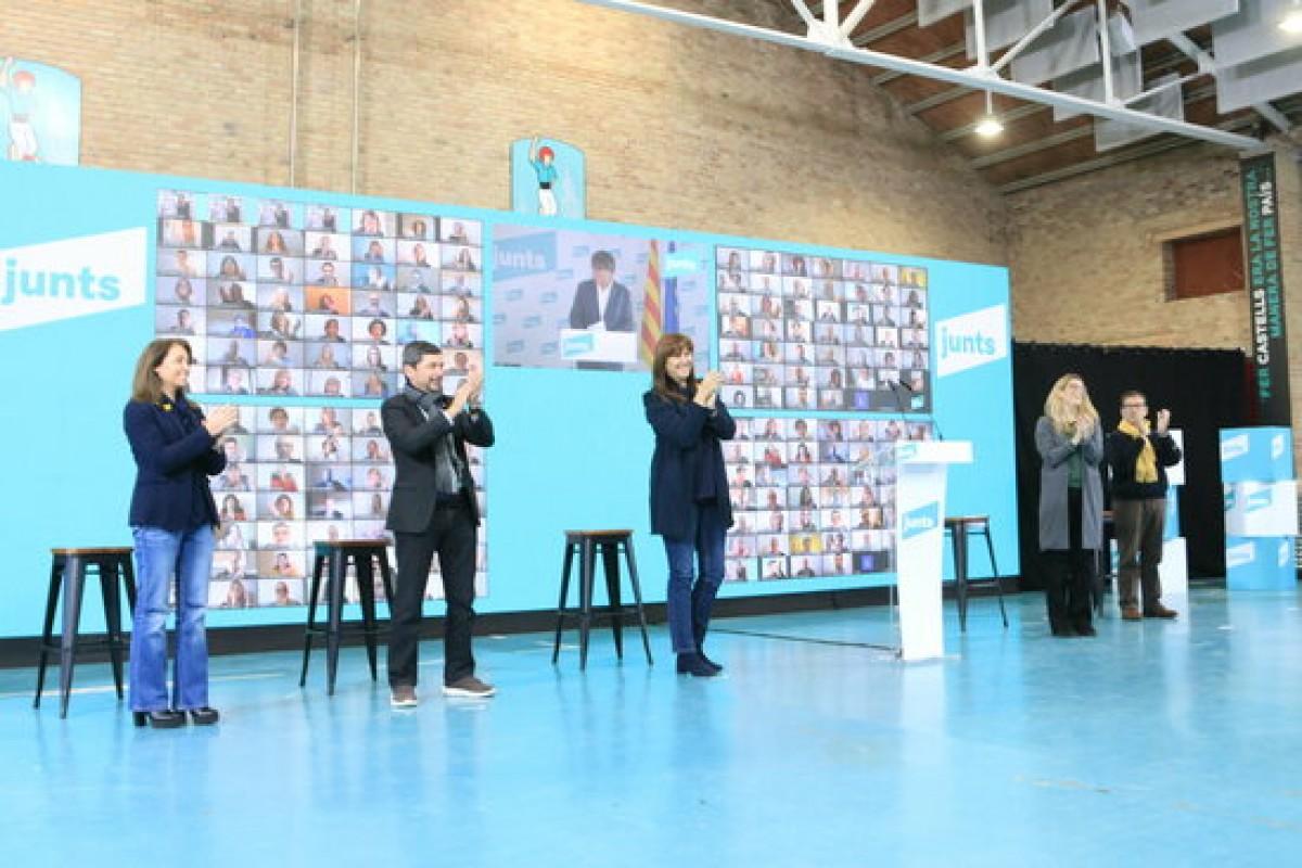Borràs i altres candidats de Junts escolten Puigdemont a Vilafranca