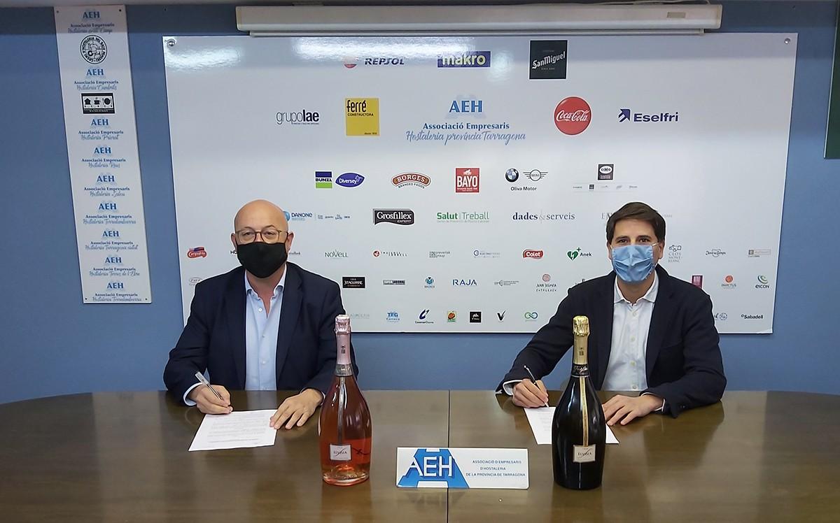 Francesc Pintado, president de l'AEHT, i Josep Simó Llop, director comercial d'On Trade de Catalunya i Llevant de Grupo Freixenet.