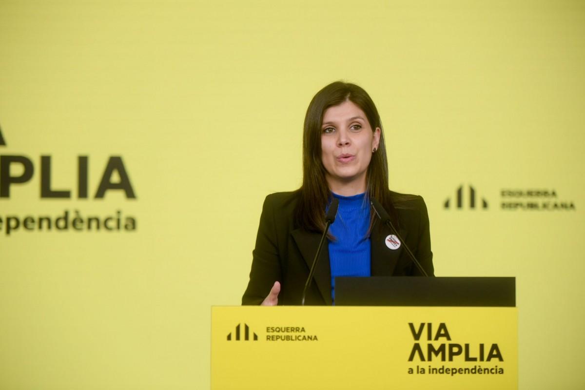 La secretària general adjunta d'ERC, Marta Vilalta, en roda de premsa aquest dilluns