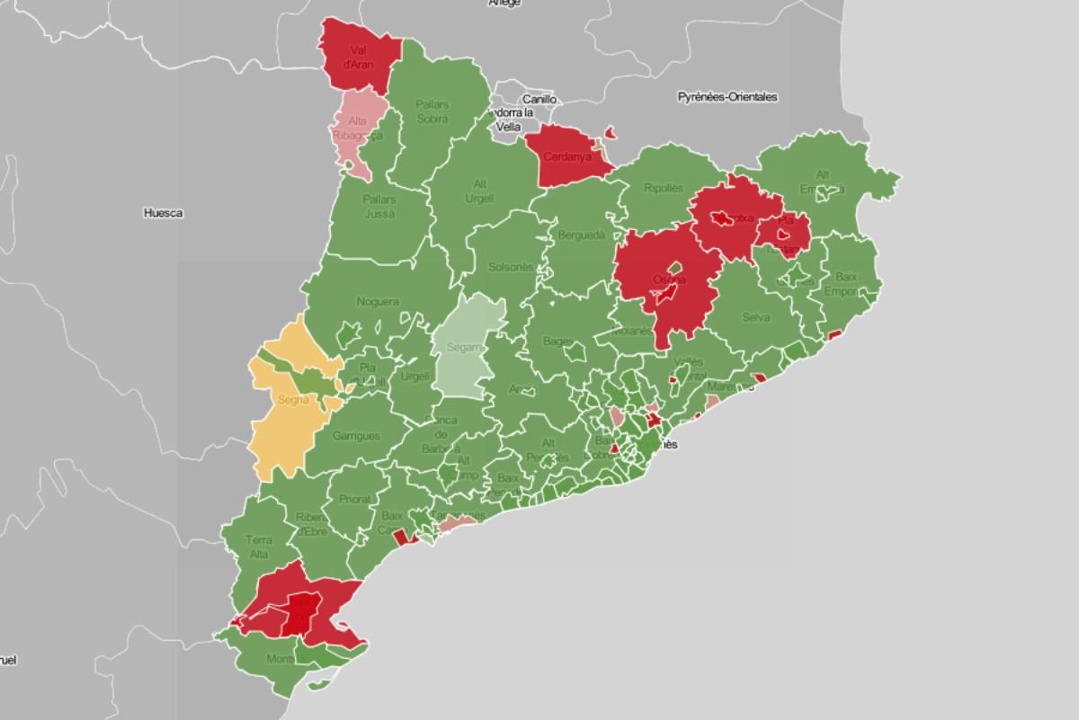Mapa de municipis i comarques, en funció de l'evolució del risc de rebrot.