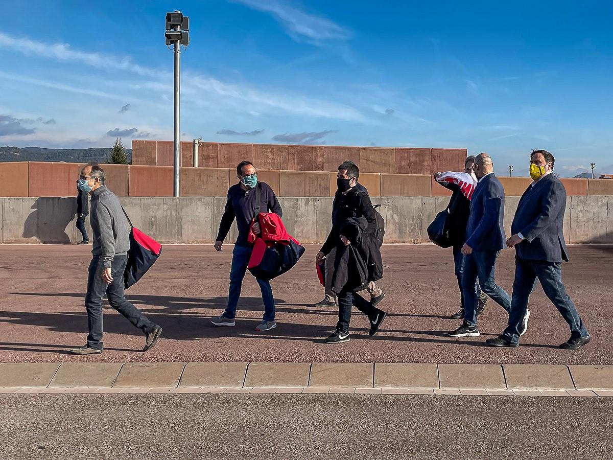 Els presos a la sortida de Lledoners