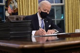 Derrotar l'extrema dreta i «tornar» al món: els deures que esperen Joe Biden