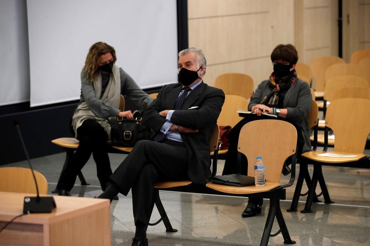 L'extresorer del PP Luis Bárcenas aquest matí en la primera sessió del judici pel finançament irregular de la formació