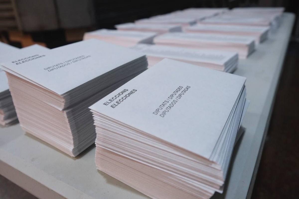 Paperetes en un col·legi electoral, aquest diumenge