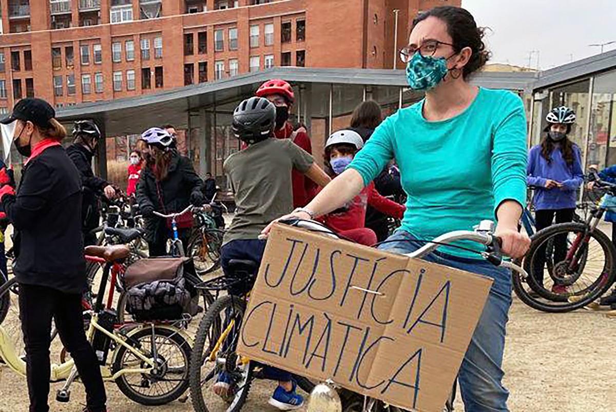 L'Esther en una de les mobilitzacions a la ciutat per reclamar més espai segur per a la bicicleta