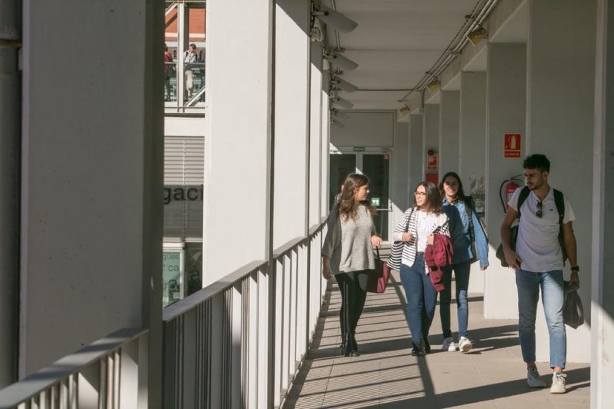 Estudiants al Campus Catalunya de la URV.