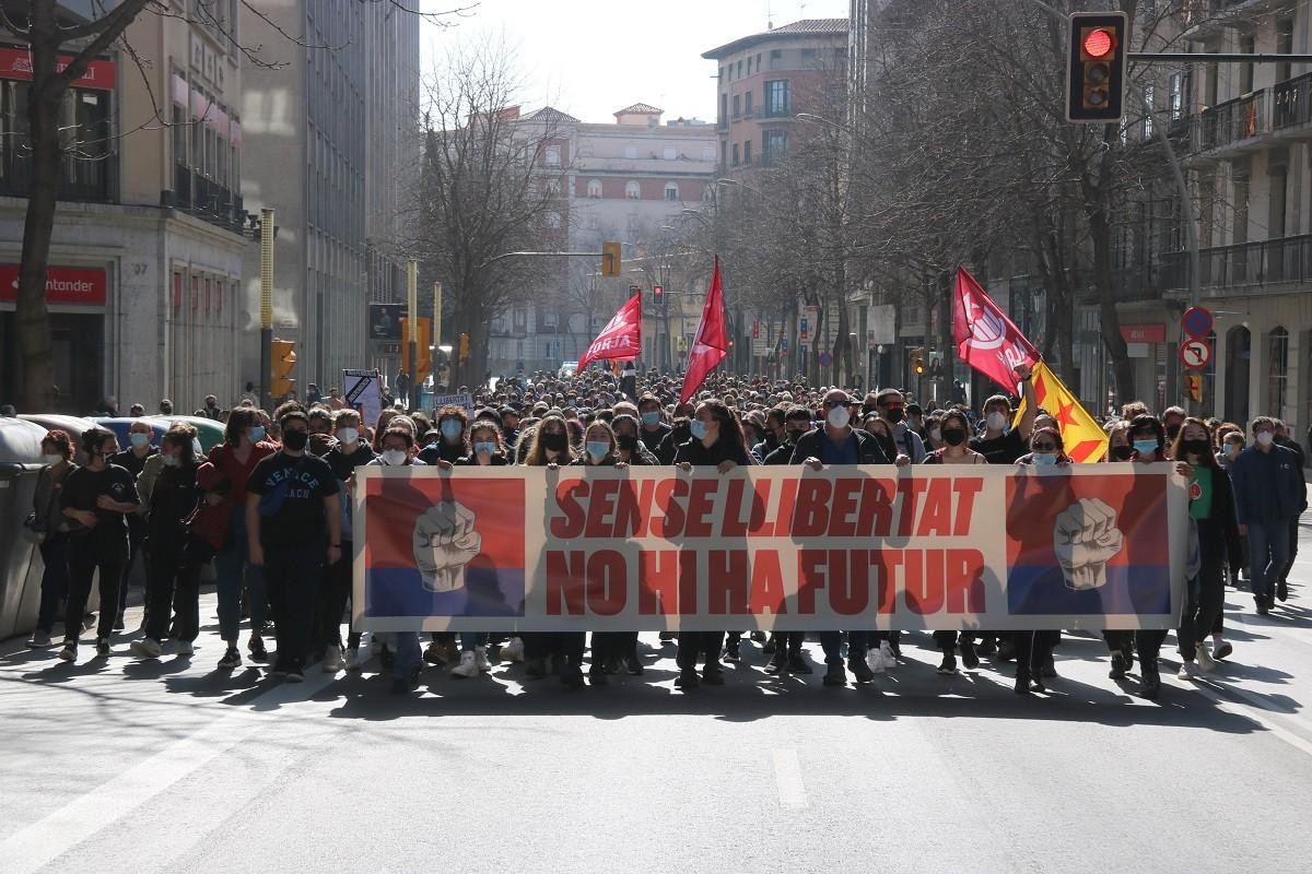La marxa pels carrers de la ciutat gironina