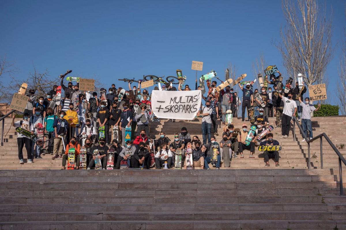 Els patinadors, en una de les mobilitzacions d'aquests darrers dies, al parc Francolí de Tarragona.