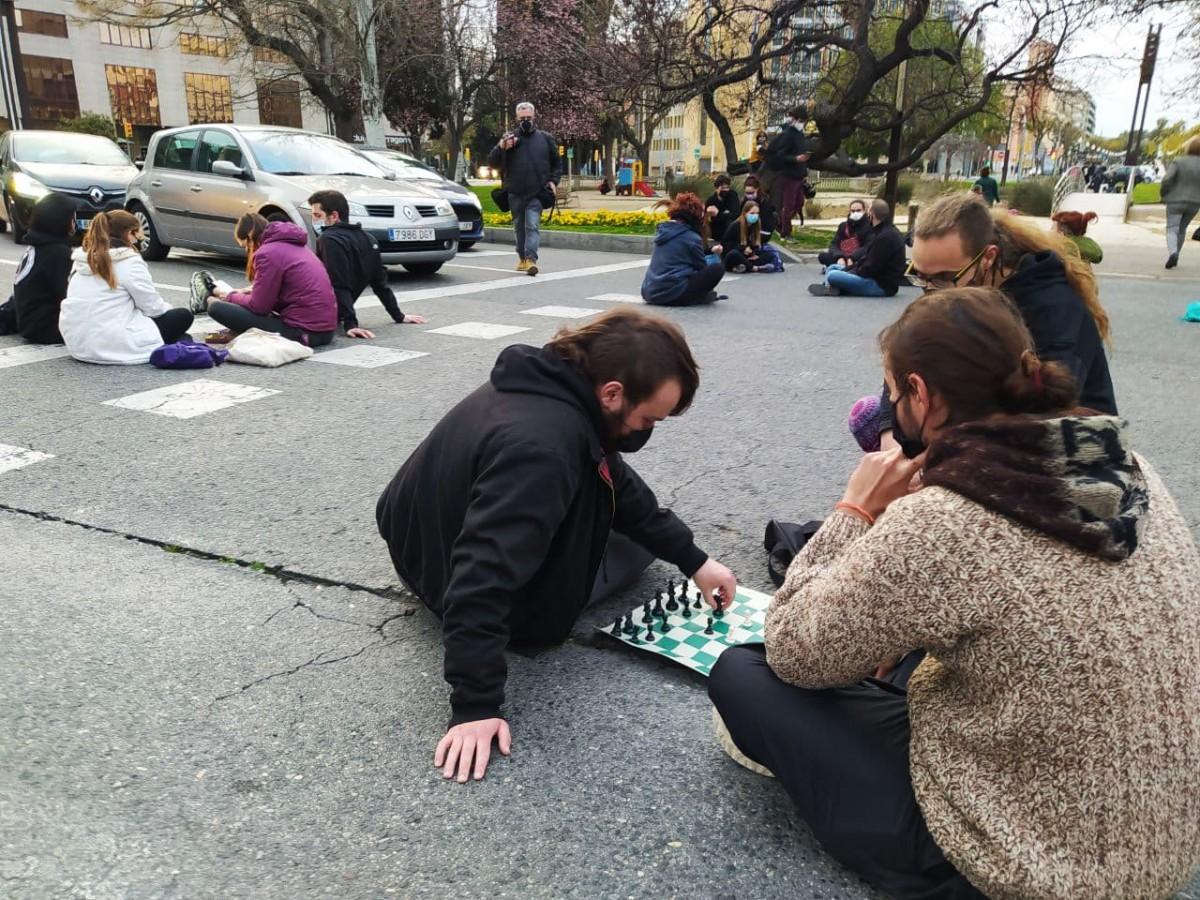 Els manifestants avui han optat pels jocs de taula.