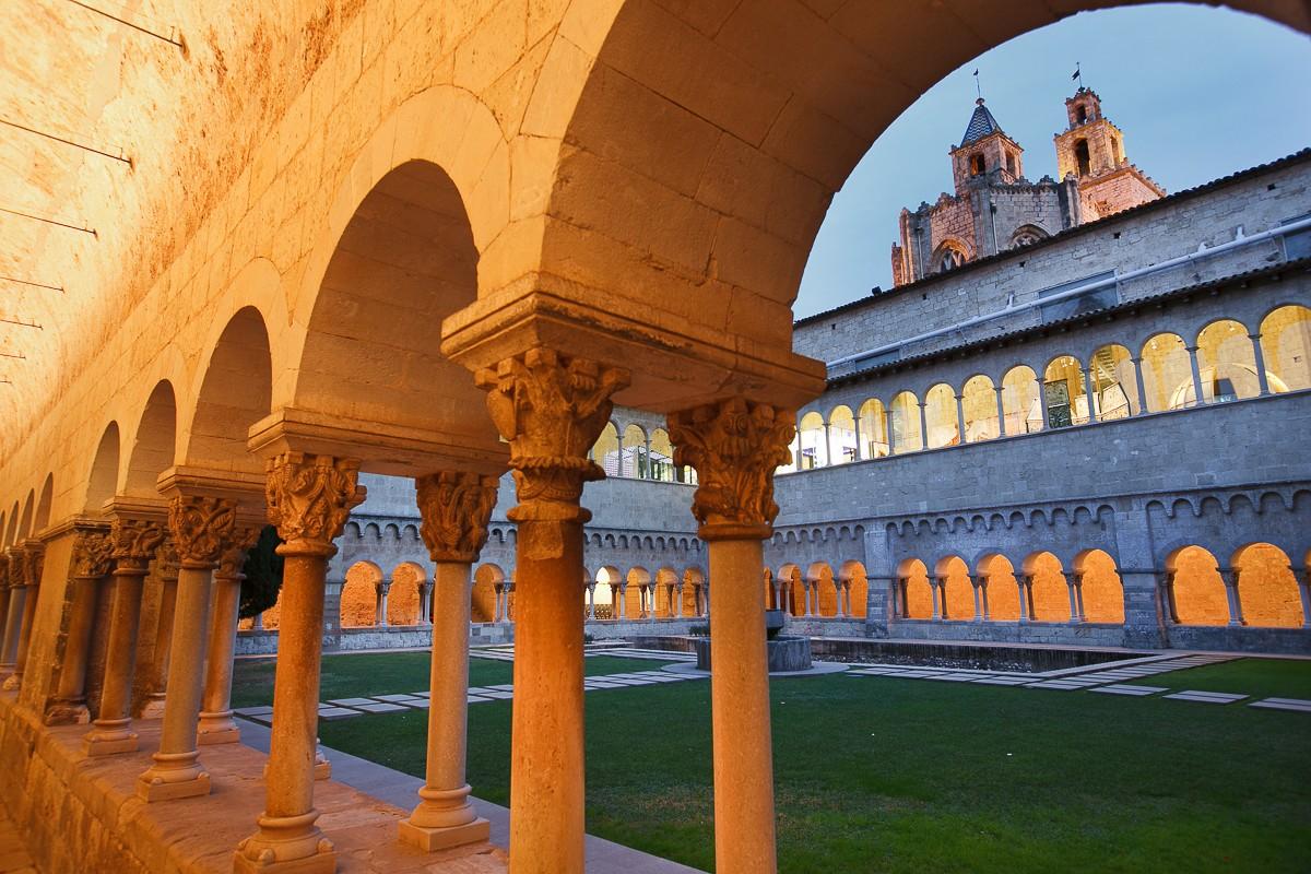 El claustre del Monestir de Sant Cugat és un dels més importants d'Europa