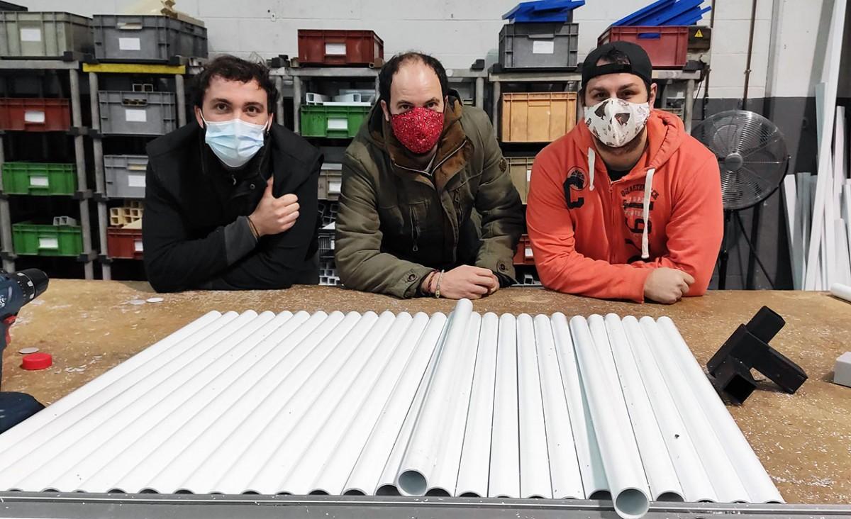 Els tres a la fàbrica de Sant Quirze