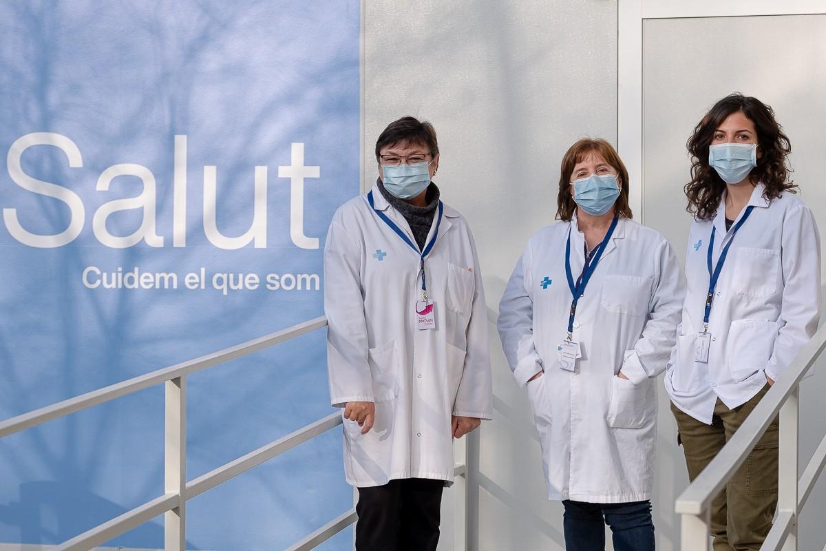Soledat Ralló, responsable d'atenció a la ciutadania, Anna Moreta, directora i  Eva Serra, adjunta a direcció del Servei d'Atenció Primària d'Osona.