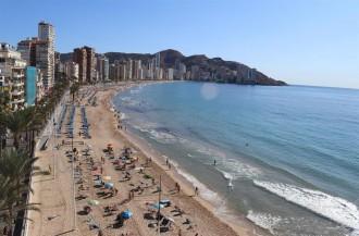 Els hotels del País Valencià demanen ajornar les vacances de Setmana Santa a finals d'abril