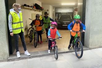 Municipis d'arreu de Catalunya s'emmirallen en Vic i se sumen a la iniciativa d'anar a l'escola amb bici