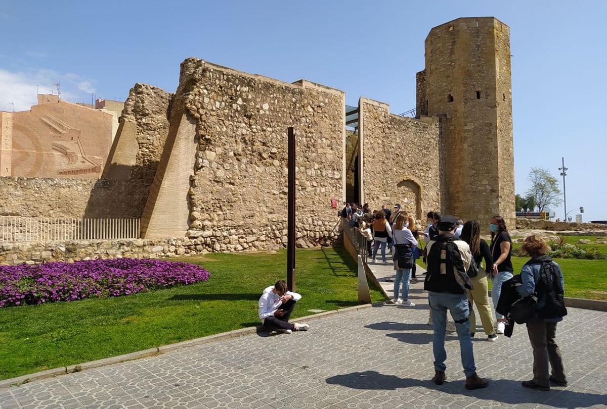 Una cua a la capçalera del Circ romà de Tarragona.