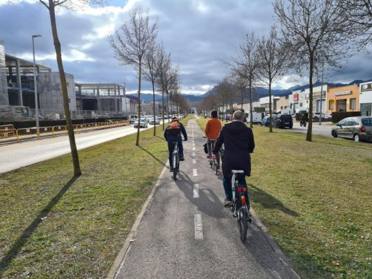 Un dels carrils bici de la ciutat d'Olot.