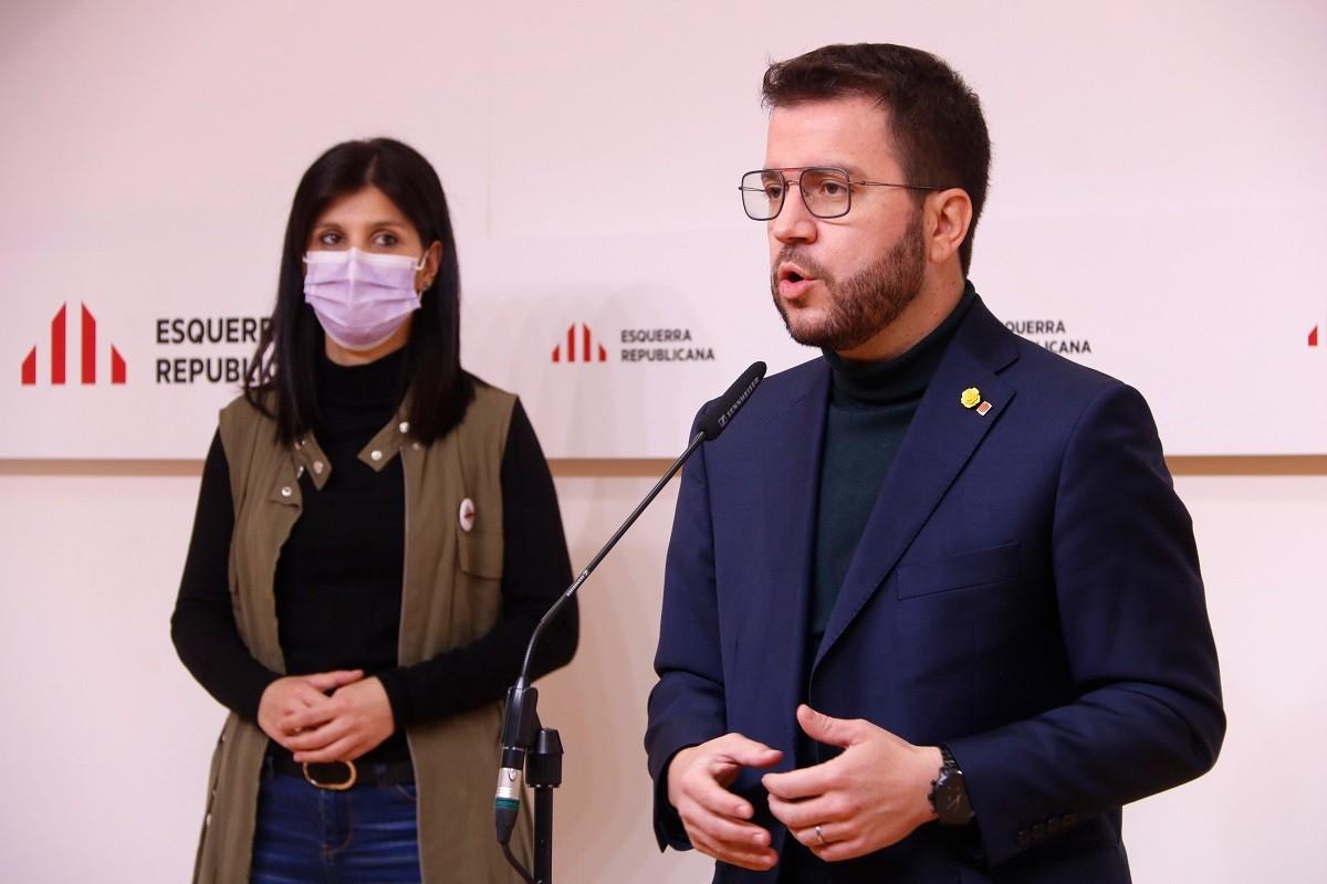 Marta Vilalta i Pere Aragonès aquest dissabte a la seu d'ERC