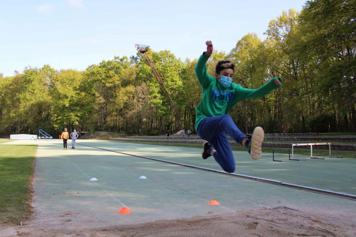 Les activitats no competitives es desenvolupen a les pistes d'atletisme d'Olot.