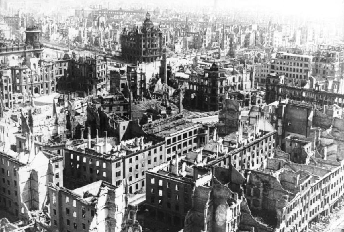 La ciutat alemanya de Dresde, destruïda durant la Segona Guerra Mundial.