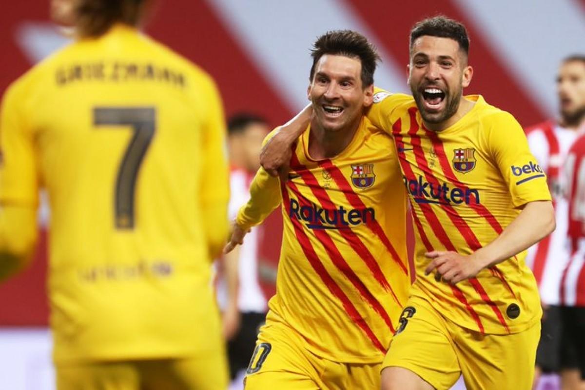 Messi i Alba, celebrant el tercer gol
