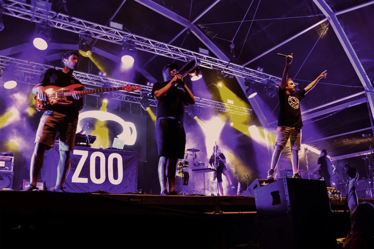 Zoo a l'Acampada Jove