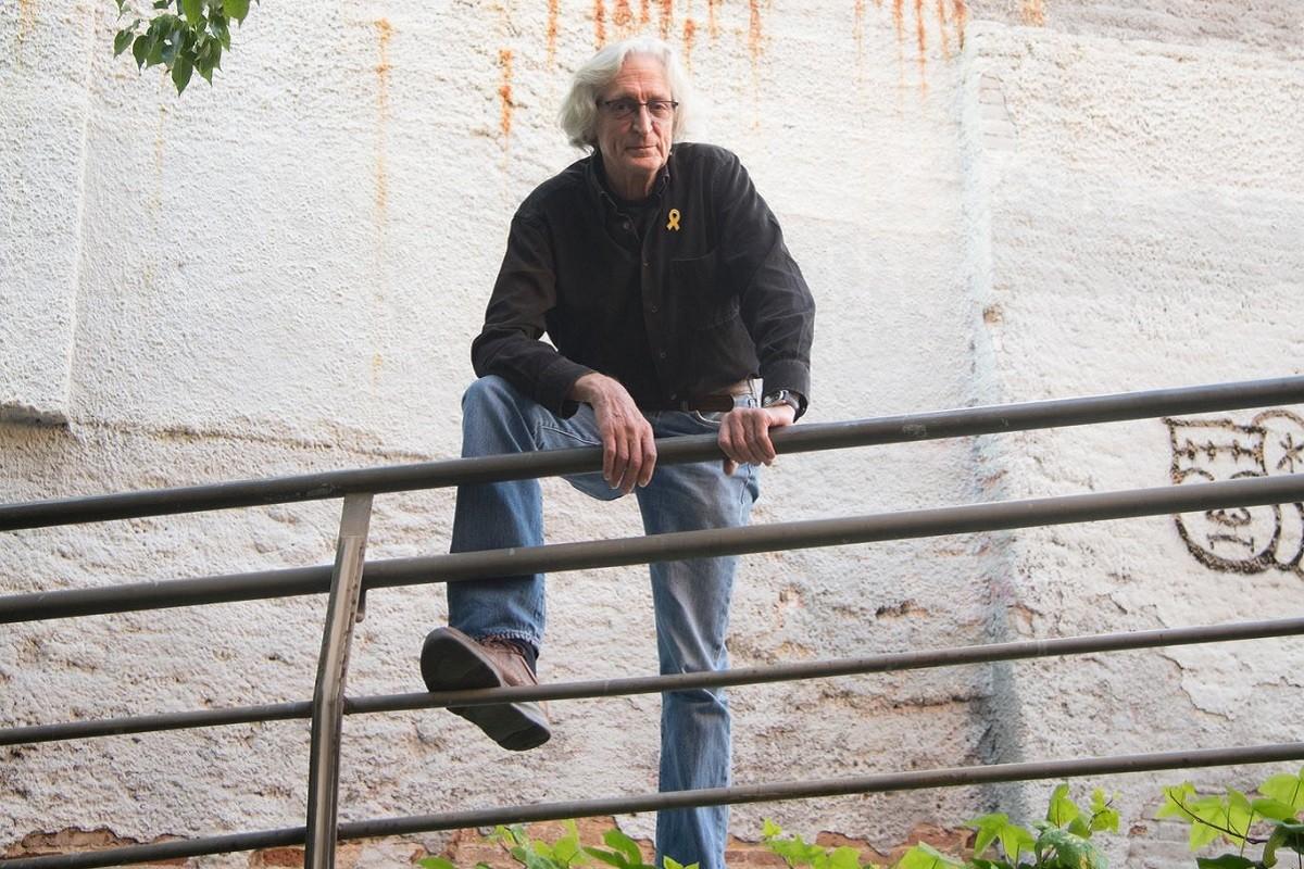 Jordi Fàbregas, a la placeta d'Anna Frank de Gràcia