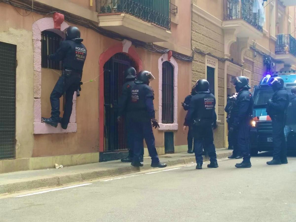 Els Mossos d'Esquadra han executat el desnonament de l'Ahmed