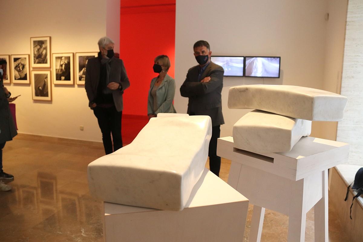 L'obra \'El misteri de la forma i la bellesa\', de Salvador Juanpere, exposada al MAMT.