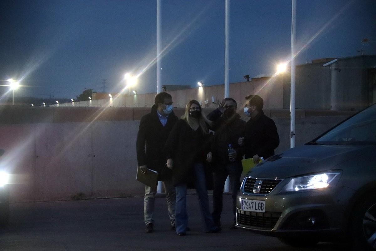 Els negociadors d'ERC i Junts, després de la cimera del dimarts 27 d'abril a Lledoners.